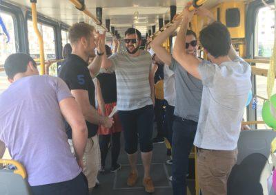 party tram-min